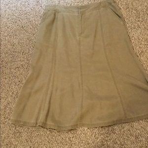 Traveling skirt